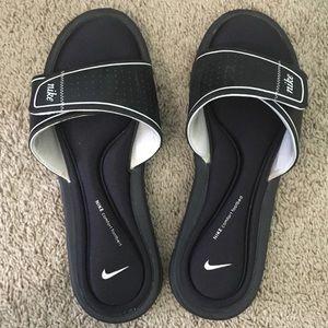 Nike Womens Slides
